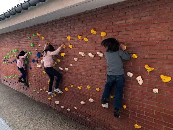 Rocódromos y Bulders de escalada para colegios, institutos e universidades